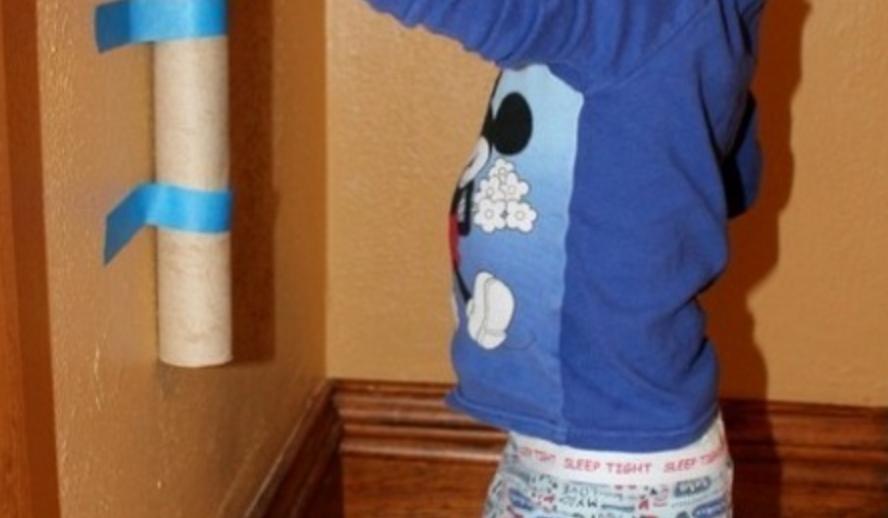 Rör på väggen - kul bollaktivitet för barn