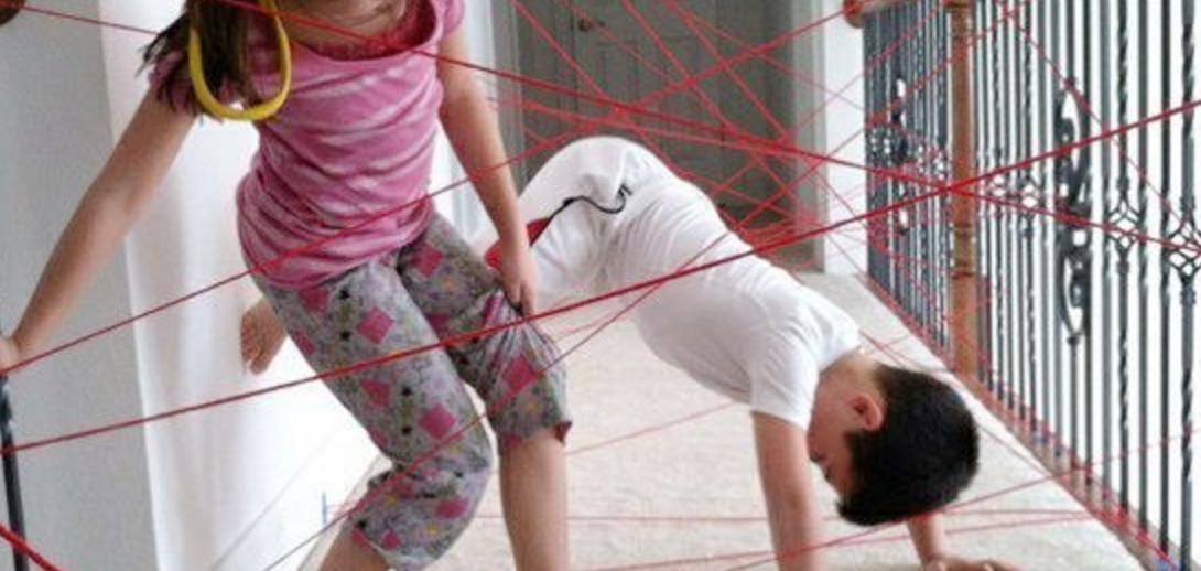 Laserstrålar - spion en aktivitet barn älskar